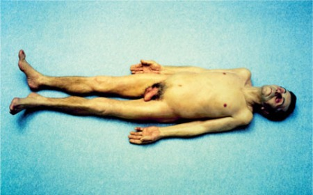 dead dad by Ron Mueck 1997
