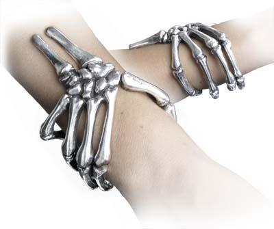 dead-mans-hand-bracelet