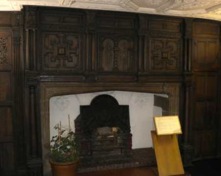 fireplace Bessie Surtees house